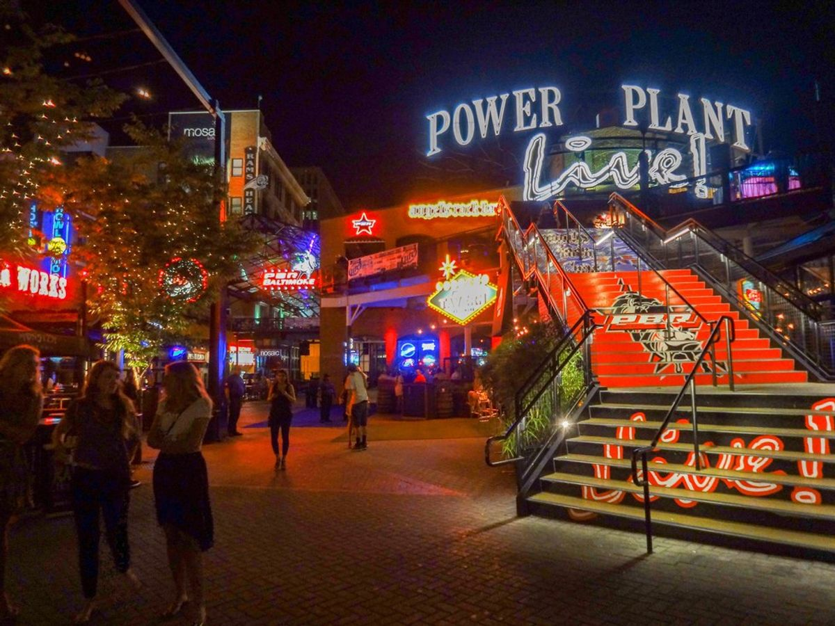 50 Thoughts You Have on Thirsty Thursdays at Power Plant