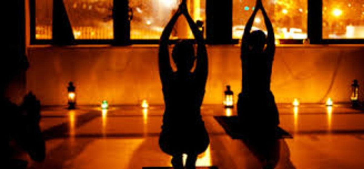 56 Thoughts I Had During My First (Candlelight) Yoga Class