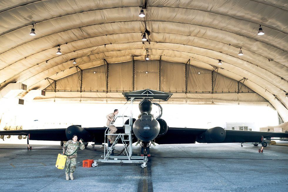 What It Takes To Fly The U-2 Spy Plane At The Edge Of Space
