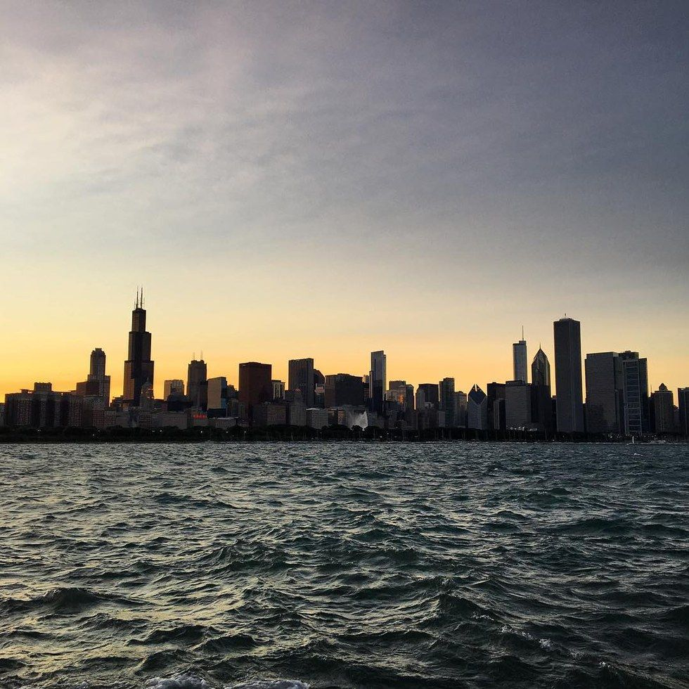 Non Monochromatic Milwaukee River Walk >> 18 Of Chicago S Most Instagram Worthy Locales United Hub