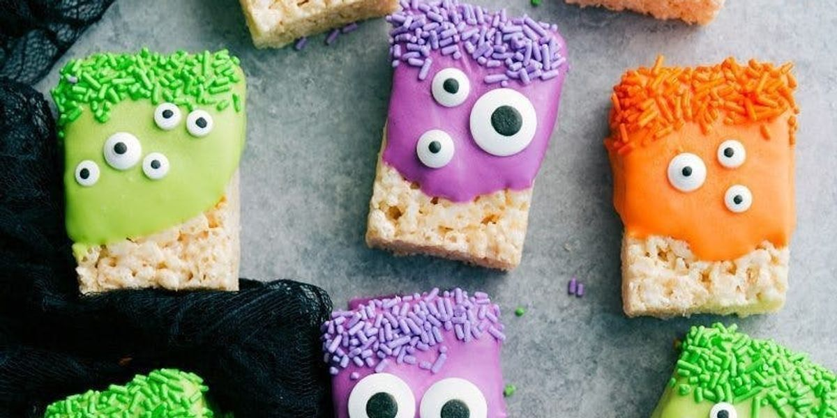23 Easy Haunting Halloween Dessert Recipes To Start Making Rn Brit Co