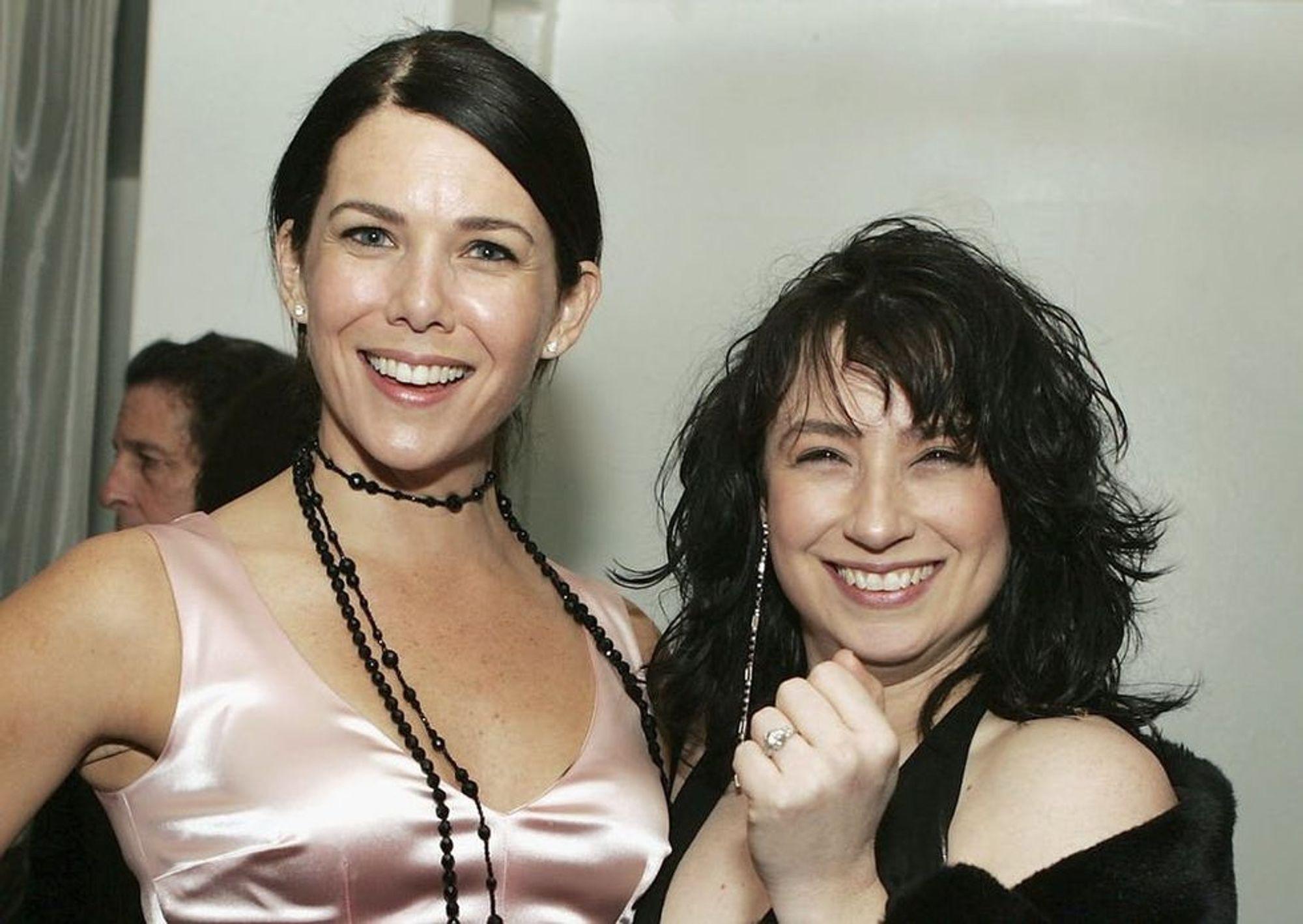 Lauren Graham ed Amy Sherman Palladino, la creatrice delle Gilmore Girls.
