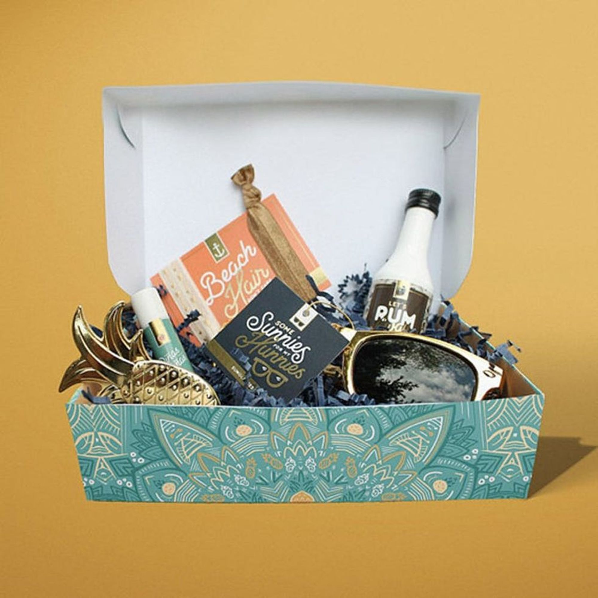 8 Etsy Bridesmaid Gift Boxes That Won T Break The Bank Brit Co
