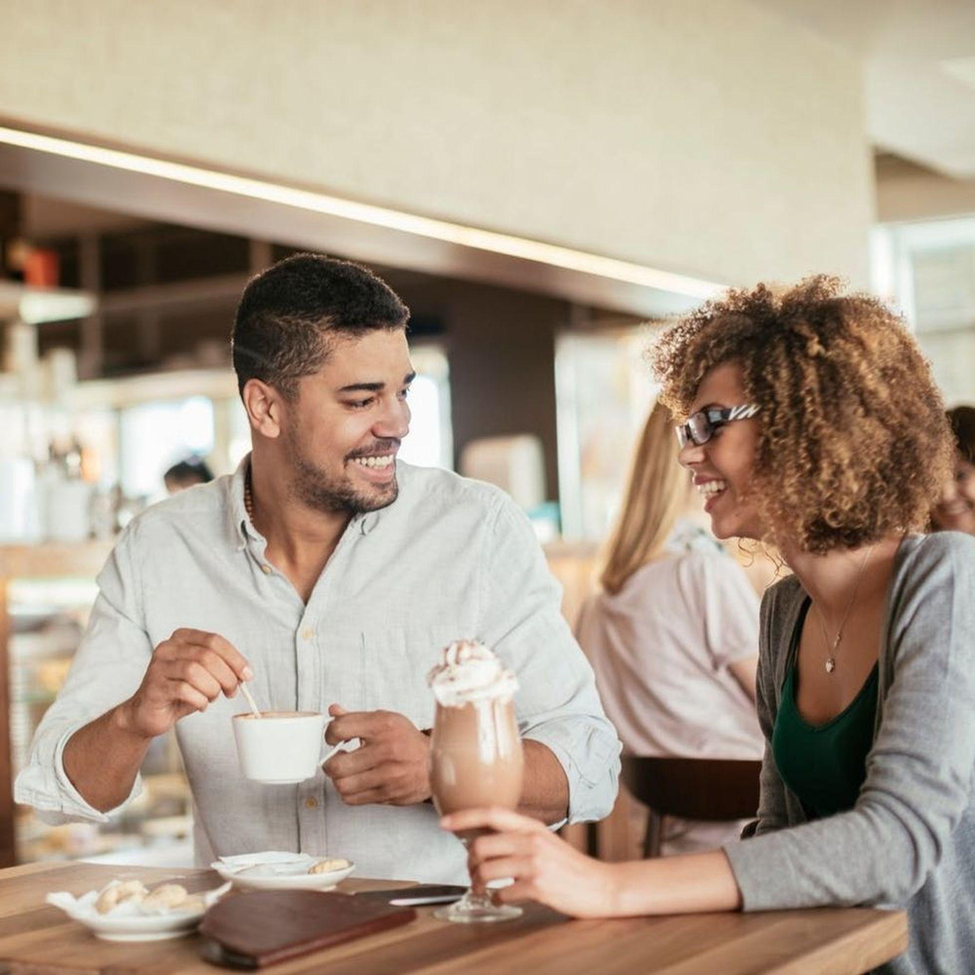 5 Conversation Tips to Make a First Date Less Awkward