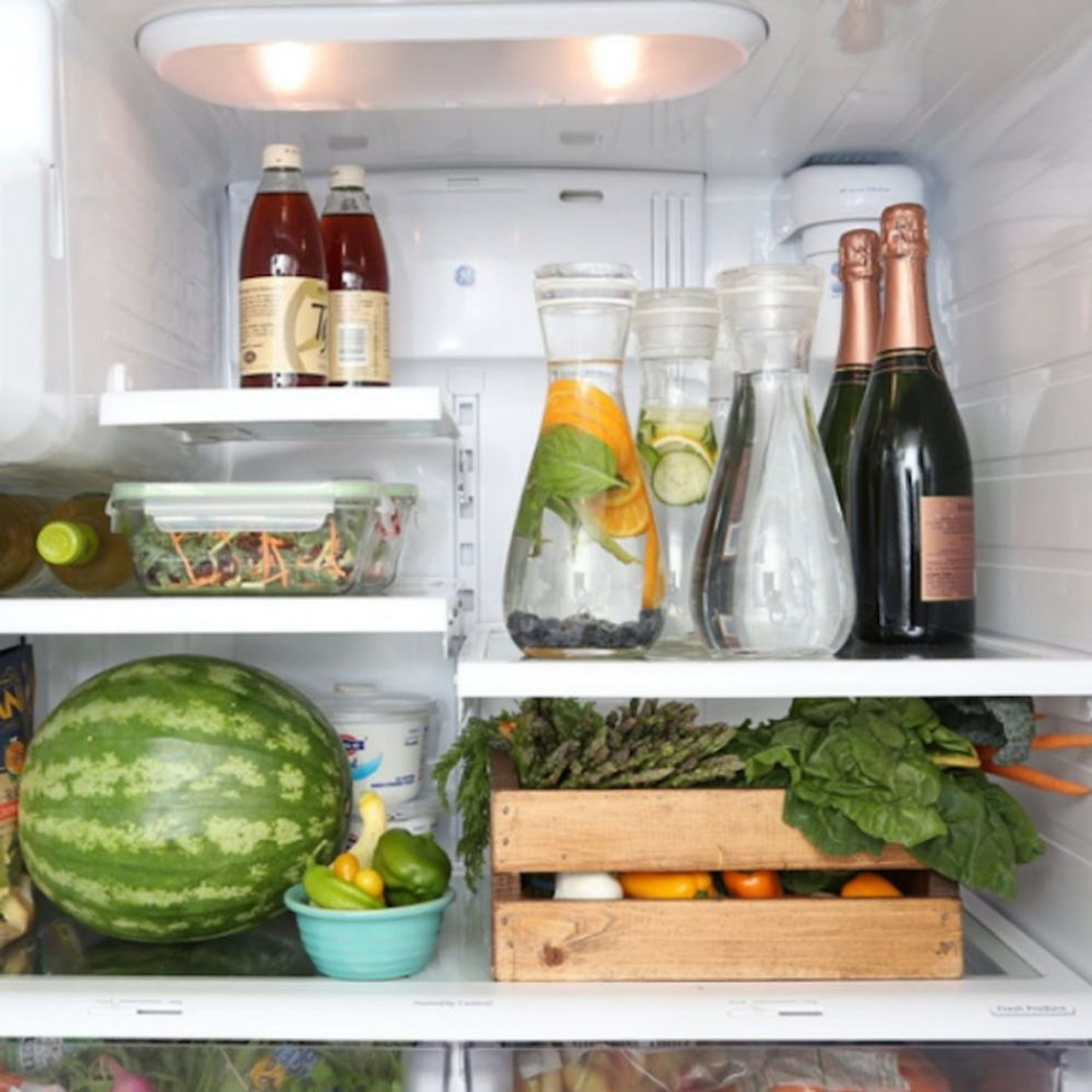 7 Steps to Totally Organize Your Fridge This Summer