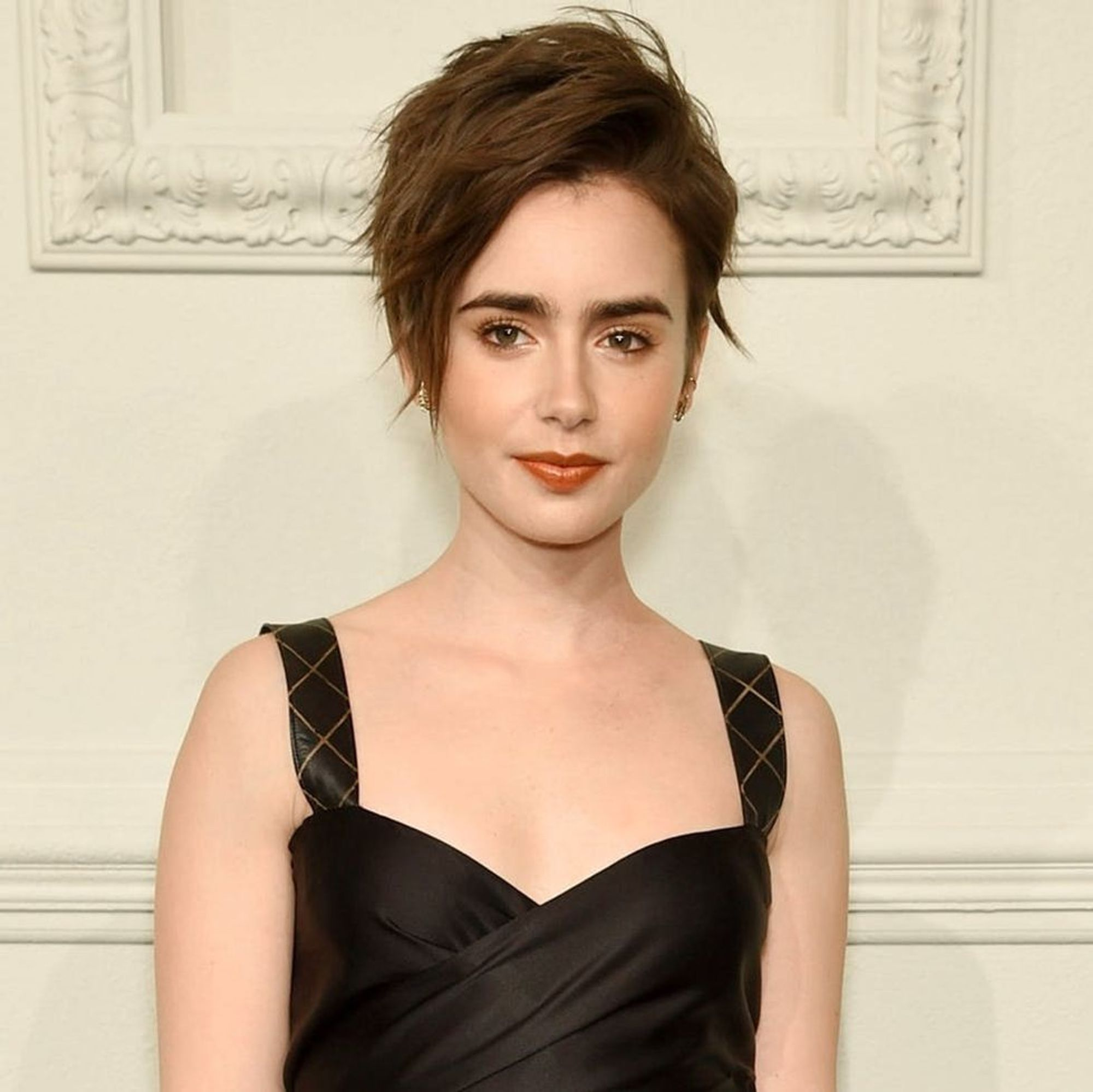 Lily Collins New Haircut Is The Perfect Summer Do Brit