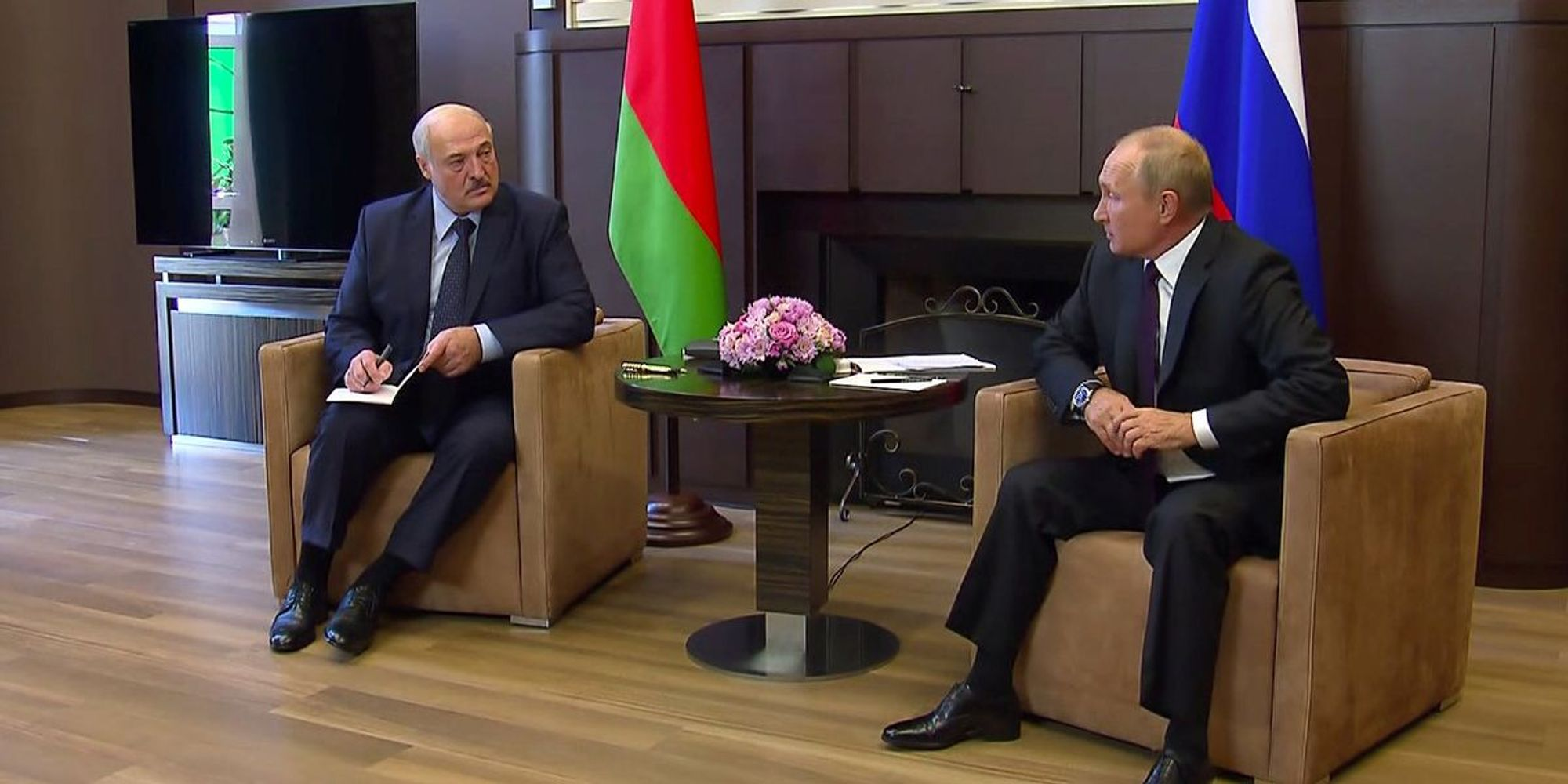 What We're Watching: Putin's Belarus play, Ivory Coast election ruling, historic Asian recession