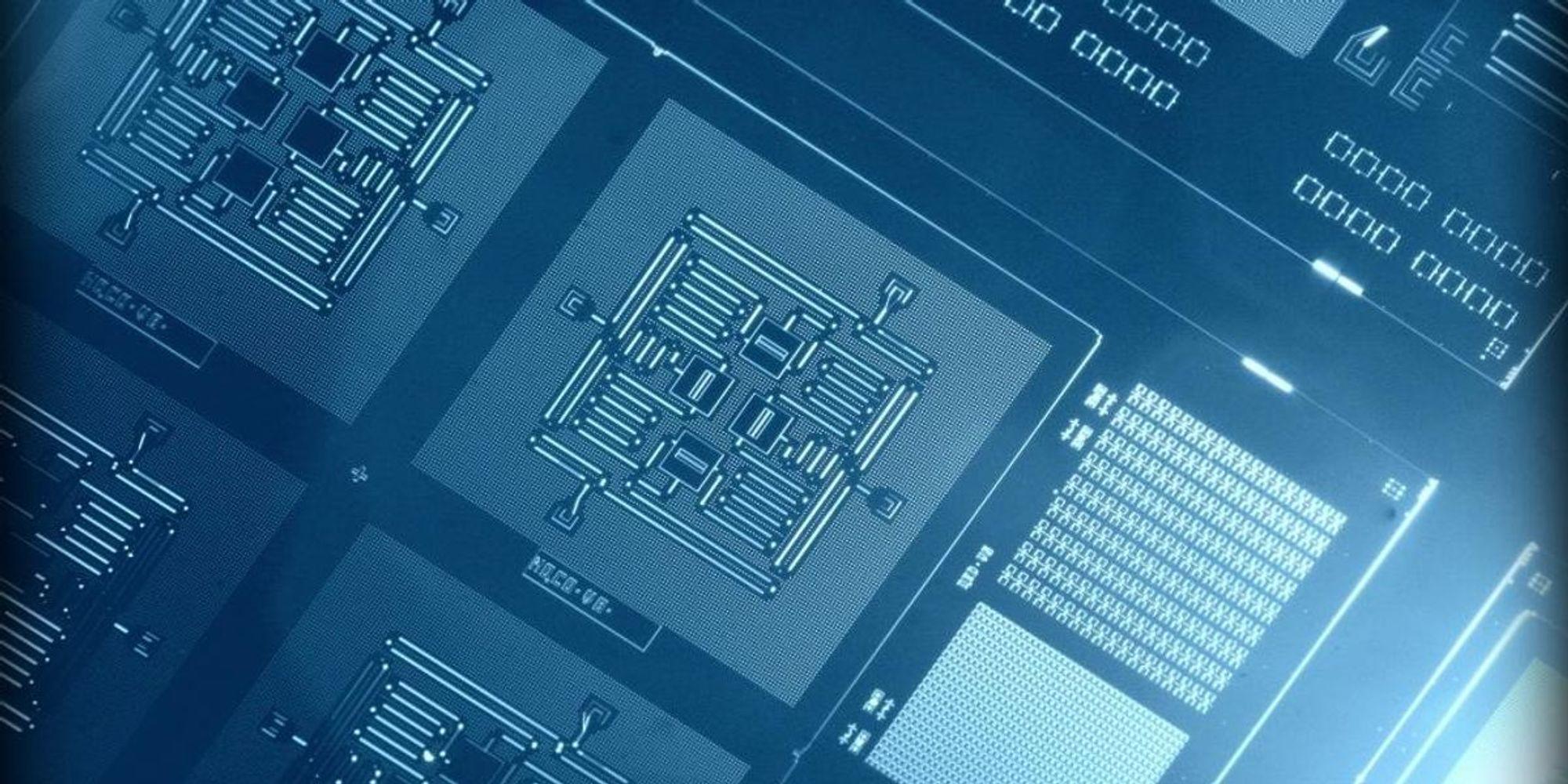 Manual: Quantum Computing - cover